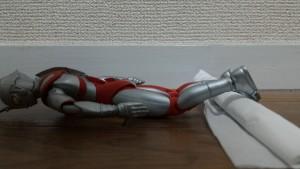 アキレス腱のテーピングを貼る姿勢