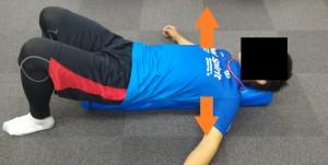 胸郭を開くエクササイズ