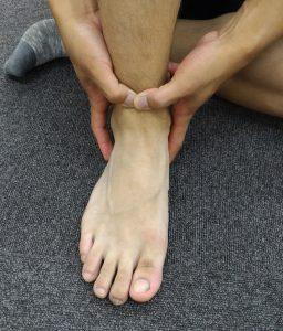 伸筋支帯のリリース